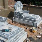 mộ đá giật cấp