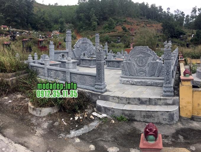 khu lăng mộ bằng đá