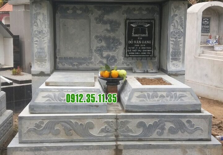 mộ một mái bằng đá