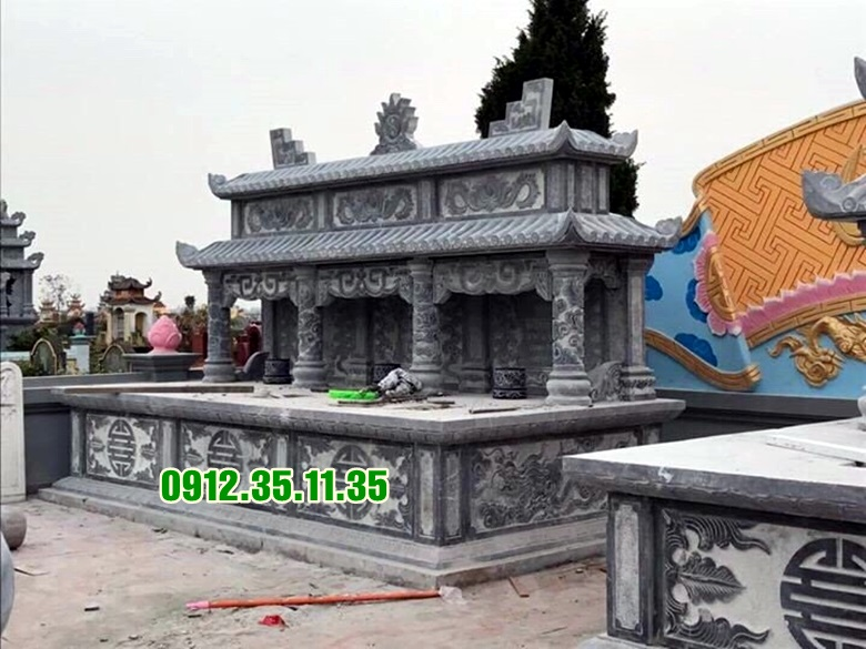 mộ hai mái đá