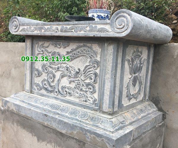bàn lễ khu lăng mộ