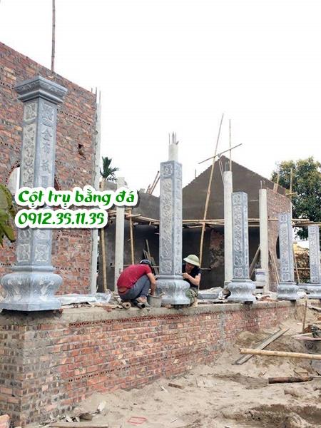 lắp đặt cột đá hiên nhà thờ họ